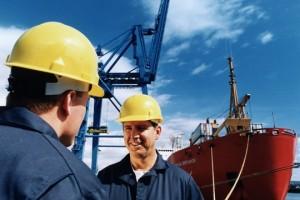 """Le """"courtier"""" est un professionnel du commerce qui pratique l'activité nommée """"courtage"""", et dont le rôle est de mettre en relation deux ou plusieurs personnes cherchant à réaliser des opérations telles que l'achat"""